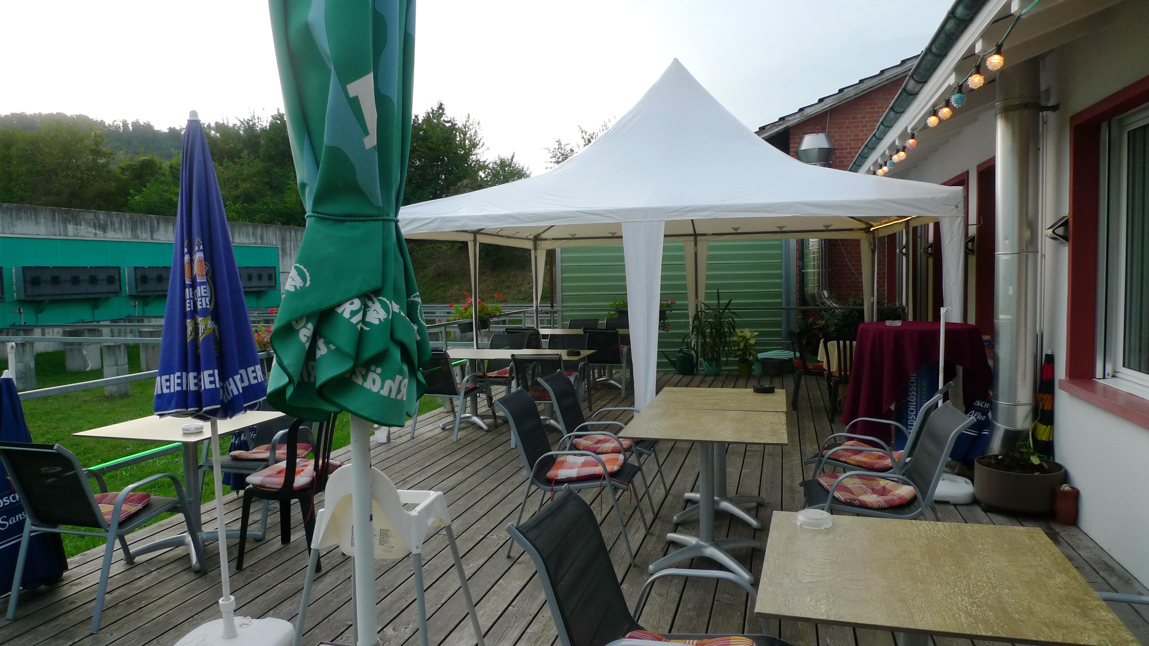 Aussenzelt-Restaurant-Lachmatt-T001