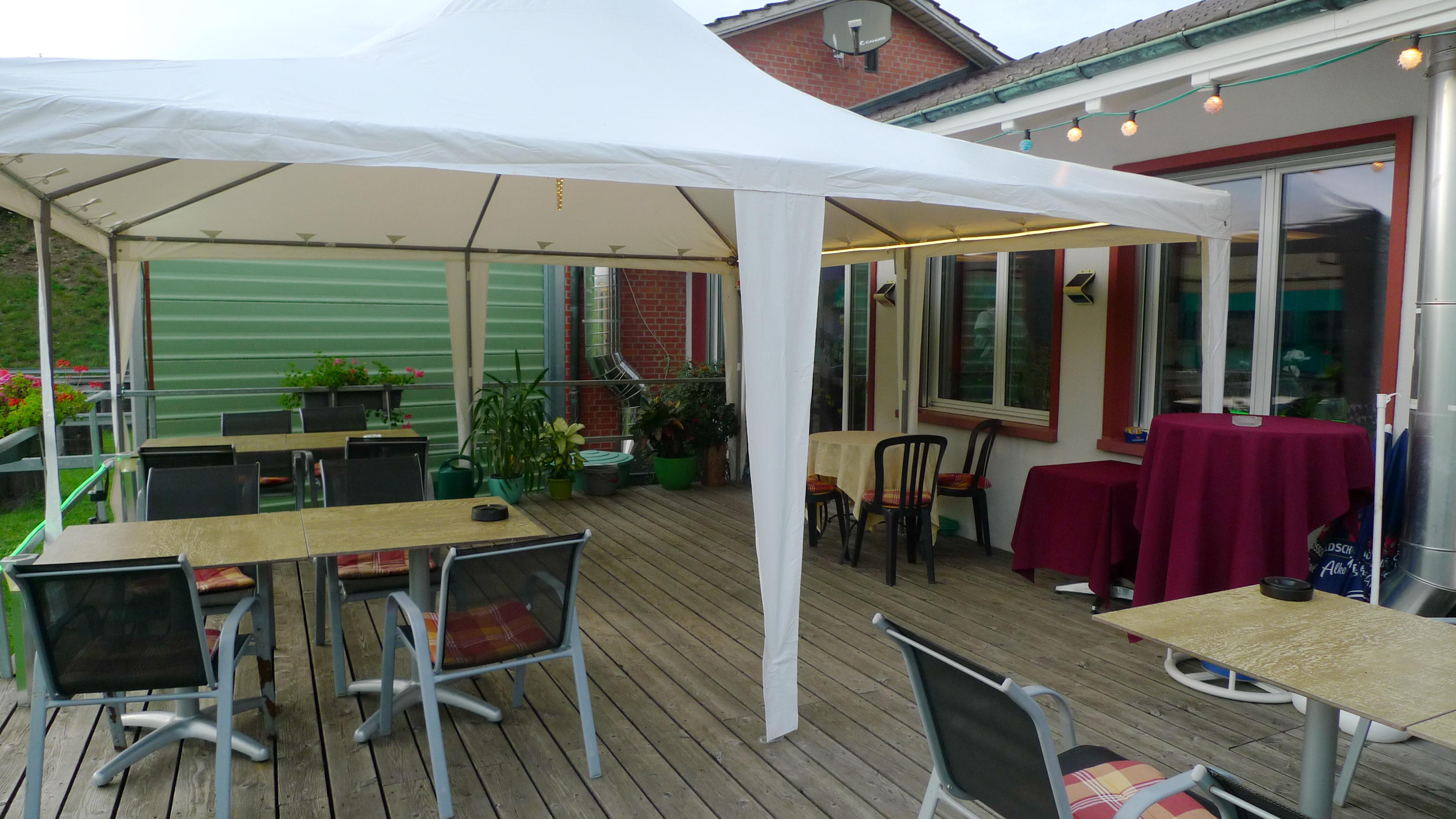 Aussenzelt-Restaurant-Lachmatt-T002