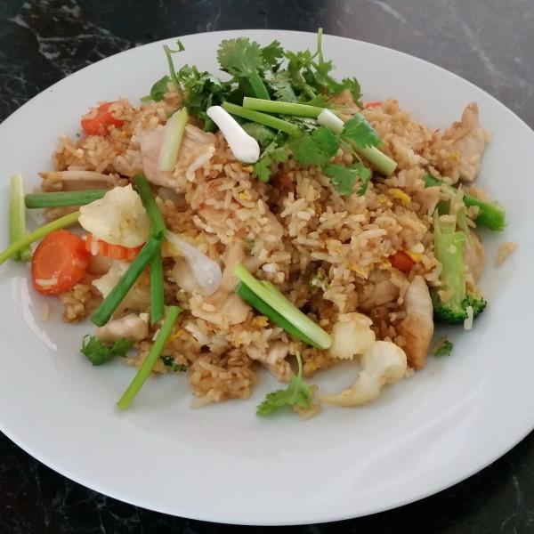 Fride Rice gebraten mit Eiern und Gemüse